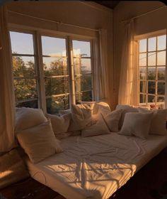 Dream Rooms, Dream Bedroom, Room Ideas Bedroom, Bedroom Decor, Bedroom Wall, Master Bedroom, Aesthetic Room Decor, Room Goals, Dream Apartment