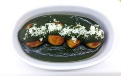 Healthy, Not Fried Spinach curry with paneer kofta recipe. This palak gravy is creamy, rich and delicious with soft koftas. Spinach Curry, Creamy Spinach, Kofta Curry Recipe, Curry Recipes, Healthy Recipes, Melting In The Mouth, Dumpling, Cottage Cheese