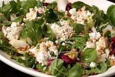 Here is a laid-back, unfussy salad that takes no time to prepare and is a great accompaniment to a summer pasta. It's also good on its own for lunch. (Photo: Jonathan Player for The New York Times) Pine Nut Salad Recipe, Spareribs Recipe, Roast Chicken Recipes, Baked Chicken, Roasted Beets, Soup And Salad, Salad Bar, How To Make Salad, Healthy Eating