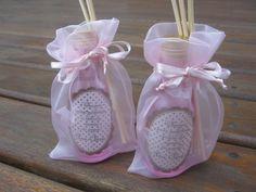 Lembrancinhas com água benta para o seu bebê. Encomendas 49 3567-0204 ou pelo site Sneakers, Wedding, Fashion, Tennis, Valentines Day Weddings, Moda, Slippers, La Mode, Sneaker
