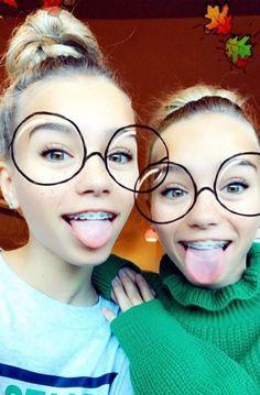 Lisa and Lena Source by alena_heller Cute Braces, Emma Marie, Lisa Or Lena, Teeth Braces, Teeth Bleaching, Famous Girls, Best Friend Goals, Organic Oil, Snapchat