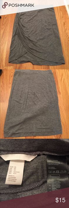 H&M scrunched skirt Gray cotton skirt. Only worn once. H&M Skirts Midi