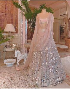Indian Wedding Gowns, Indian Bridal Outfits, Indian Fashion Dresses, Dress Indian Style, Indian Designer Outfits, Indian Gowns, Lehenga Choli Wedding, Wedding Lehenga Designs, Designer Bridal Lehenga