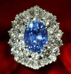 Sapphire, Diamond & Platinum Ring / 10 carat sapphire with 4.2 carats of diamonds