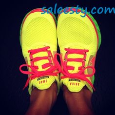 Pink nike free runners ! Workout shoes ! Need    as usual, a pair of Nike's Shoes for Cheap im in love with and I can't find them.