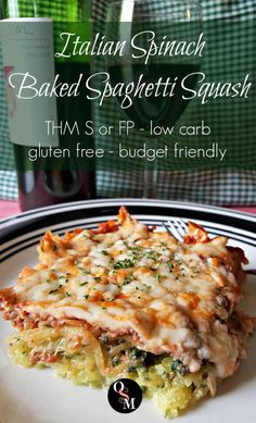 Italian Spinach Baked Spaghetti Squash - Low carb, budget friendly, THM friendly AND filling and sat Courge Spaghetti, Spaghetti Squash Recipes, Pasta Spaghetti, Low Carb Recipes, Cooking Recipes, Healthy Recipes, Diet Recipes, Mince Recipes, Spinach Recipes