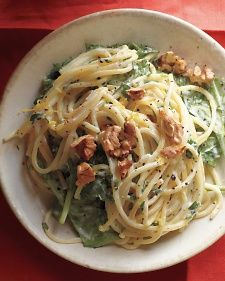 Lemony Pasta with Goat Cheese and Spinach