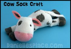 Sock Craft Kids Can Make ~ Directions for Turtle, Octopus, Rabbit, Cat, Baby… Sock Crafts, Cute Crafts, Crafts To Do, Crafts For Kids, Cow Craft, Craft Kids, Cow Socks, Puppets For Kids, Sewing Stuffed Animals