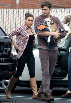 Love Mila Kunis' casual but stylish outfit here.
