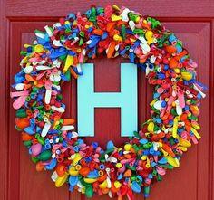 awesome balloon wreath