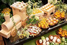 画像1 : 神戸北野ホテルのナイトデザートブッフェに「マンゴー」が登場! - macaroni[マカロニ] Buffet, Wedding Cakes, Cheese, Table Decorations, Cooking, Food, Design, Wedding Gown Cakes, Kitchen