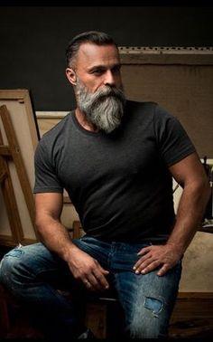 Really #wish my #beard was #grey - serious #beardenvy with this handsome Basturd #pogonophile #beardlife #inspiration #beardgang #beardedbasturds #beardlove #beardsofinstagram #barber #barberlove