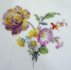 KPM Berlin Teller, bunte Blumen, Neuosier Relief, ø 22,5 cm, H=3 cm, 1.Wahl #4 in Antiquitäten & Kunst, Porzellan & Keramik, Porzellan | eBay