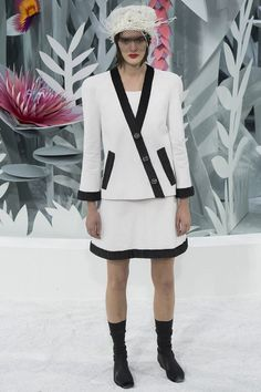 Chanel Couture Spring Fashion Show 2015 | chanel-couture-spring2015-runway-13