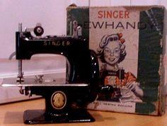 Vintage Singer Sewhandy Model No 20 Toy Sewing Machine Original Box