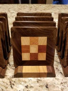 End grain coasters Woodworking Inspiration, Beginner Woodworking Projects, Diy Woodworking, Wood Shop Projects, Reclaimed Wood Projects, Diy Coasters, Wooden Coasters, Wood Scraps, Diy Cutting Board