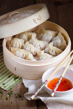 Chińskie pierożki dim sum z mięsem, chinese dim sum dumplings with pork/beef… Dim Sum, Food Club, Polish Recipes, Wonderful Recipe, Slow Food, Food Design, Asian Recipes, Food Inspiration, Appetizer Recipes