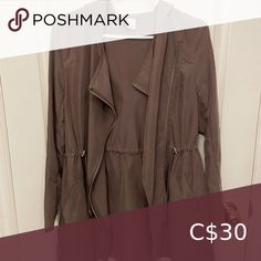 H&M light jacket In great condition H&M Jackets & Coats Utility Jackets