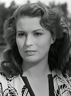 Photo by Ric Lalonde Classic Actresses, Actors & Actresses, Moustache, Beautiful Italian Women, Divas, Veronica Lake, Italian Actress, Keith Richards, Old London