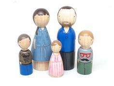 Personalized Custom Family of 5 // Wood Gift Unique Family Portrait Painted Peg Dolls // Wooden Toys