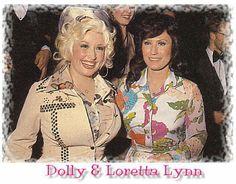 Dolly Parton with Loretta Lynn @ the CMA Awards Country Music Stars, Country Music Singers, Dolly Parton, Famous Women, Famous People, Classic Country Artists, Greatest Country Songs, Loretta Lynn, Cma Awards