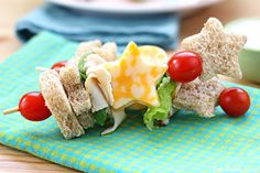 Sandwich Kabobs, Fun Sack Lunch Recipe Ideas for Kids - Crumbs - April 2013 - Detroit, MI Healthy Toddler Lunches, Easy School Lunches, Healthy Snacks For Kids, Yummy Snacks, Healthy Meals, Cute Food, Good Food, Non Sandwich Lunches, Ideas Sándwich