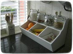 Little Sweet Things: Talent - Farmhouse Kitchen Decor, Diy Kitchen, Vintage Kitchen, Kitchen Dining, Kitchen Cabinets, Kitchen Ideas, Produce Storage, Fruit Storage, Kitchen Storage Boxes