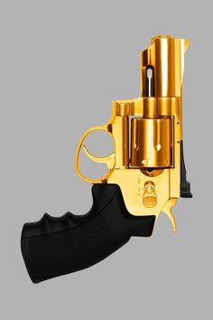 Black and Gold revolver #black #gold #revolver #blackandgold