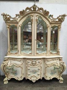 porta tv e vetrine. #arredamento #classico #furniture #mobili ... - Arredamento Classico E Shabby