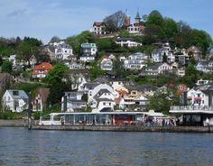 Schniekes Blankenese von der Elbe aus