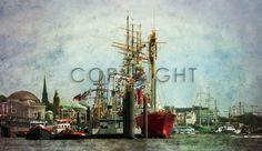 RED LADY ...captured moments! by URSfoto |  Szene aus dem Hamburger Hafen