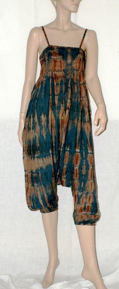Hippie Harem Style Woman Jumpsuit Cover Up Batik Pattern Tuta Intera Jampsuit Donna Batik Modello Etnico Harem Boho Spalline Mare Taglia S/M di BeHappieWorld su Etsy
