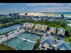 Cedars Resort unit on Longboat Key Florida is a popular tennis vacation site. With lovely landscaped grounds, this reesort is across the street from the Gulf of Mexico, with a clubhouse pool and fitness center Garage Parking, Weekly Rentals, Longboat Key, Fitness Facilities, Tub Shower Combo, Old Florida, Screened In Porch, Gulf Of Mexico, Walk In Shower
