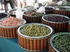 Otranto, giant olives for crunchy bites