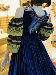 Traditional Fashion, Traditional Dresses, Stylish Dresses, Simple Dresses, Abaya Fashion, Fashion Dresses, Afghani Clothes, Casual Indian Fashion, Sleeves Designs For Dresses