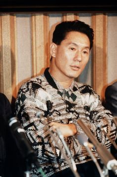クリックすると新しいウィンドウで開きます Takeshi Kitano, Fictional Heroes, Never Grow Old, Man Images, Jackie Chan, Screenwriting, Favorite Person, Comedians, Cinema