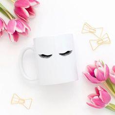 Bom dia com essa caneca linda da @ohdear.store ✨ ㅤㅤ ㅤㅤ #bellaaurorablog #blog #beleza #cílios #ohdearstore