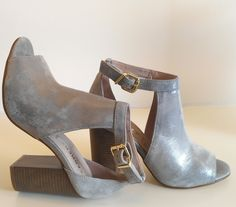 Sandalo Carmens