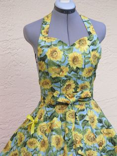 Sunflower's Delight Apron Sexy and Elegant With by AquamarCouture
