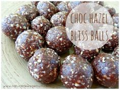 Choc Hazel Bliss Balls - Natural New Age Mum 1 cup pitted dates 2 tablespoons Crio Bru (I used the new flavour, Maracaibo) 2 tablespoons organic raw cacao powder 2 teaspoons Heilala Vanilla Bean paste (secret ingredient) 1 cup hazelnuts, skin removed Clean Eating Recipes, Raw Food Recipes, Sweet Recipes, Snack Recipes, Cooking Recipes, Eating Clean, Vegetarian Recipes, Healthy Recipes, Healthy Sweet Treats