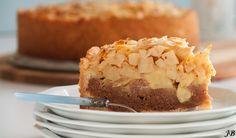 Apple-spiced cake from Caroline - Culy. Dutch Recipes, Apple Recipes, Sweet Recipes, Baking Recipes, Cake Recipes, Sweet Pie, Sweet Tarts, Baking Bad, Muffins