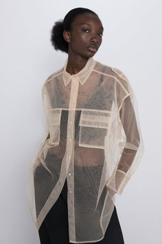 ZARA - Female - Tulle blouse with pockets - Ecru - S Top Kimono, Looks Style, My Style, Sheer Clothing, Burberry Handbags, Blouse Outfit, Fashion Outfits, Womens Fashion, Brian Atwood
