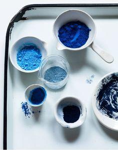Blue hues - powder paint