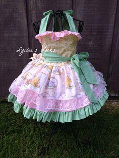 Classic Winnie the Pooh dress/Vintage Pooh by LynleesLooks on Etsy