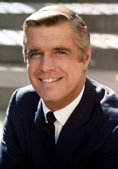 George Peppard died on May in Los Angeles, California. Although he was still being treated for lung cancer, the direct cause of death was pneumonia. Old Film Stars, Movie Stars, Classic Actresses, Actors & Actresses, Classic Hollywood, Old Hollywood, George Peppard, Actors Male, Portraits