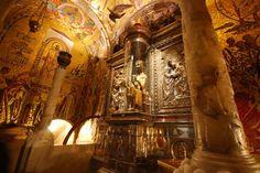 Czarna Madonna z Montserrat  Chronologia Życia św. Ignacego opisująca jego oddanie Czarnej Madonnie potwierdza też jego członkostwo w Illuminati (oświeconych Alumbrados): http://www.eioba.org/files/user31959/a198475/1xx-photo-996886-770tall.jpg