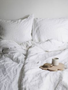 Linen makes everything look so cozy