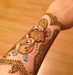 Fabulous Henna Creations by Shirin Manji....Indulge in the beauty .......