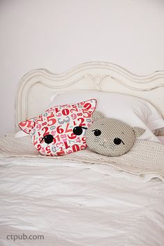 Sewing Pillows Make: Pillows: 12 Stylish Projects to Sew - Sewing Pillows, Diy Pillows, Cushions, Throw Pillows, Decorative Pillows, Bolster Pillow, Fabric Crafts, Sewing Crafts, Sewing Projects