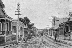 Alumbrando al pueblo de Mayaguez en 1896 | Redescubriendo a Puerto Rico calle Mendez Vigo